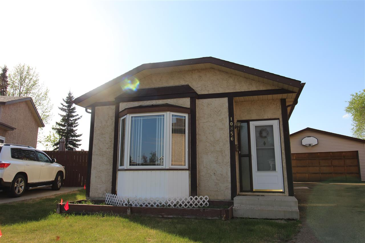 10856 21 Avenue NW, 3 bed, 2 bath, at $350,000