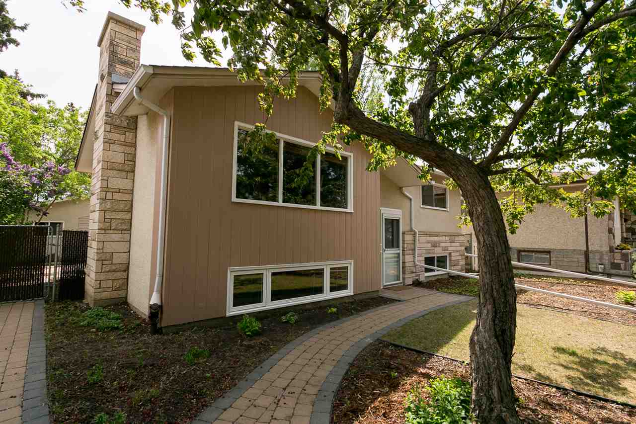 11719 46 Avenue NW, 3 bed, 2 bath, at $449,900
