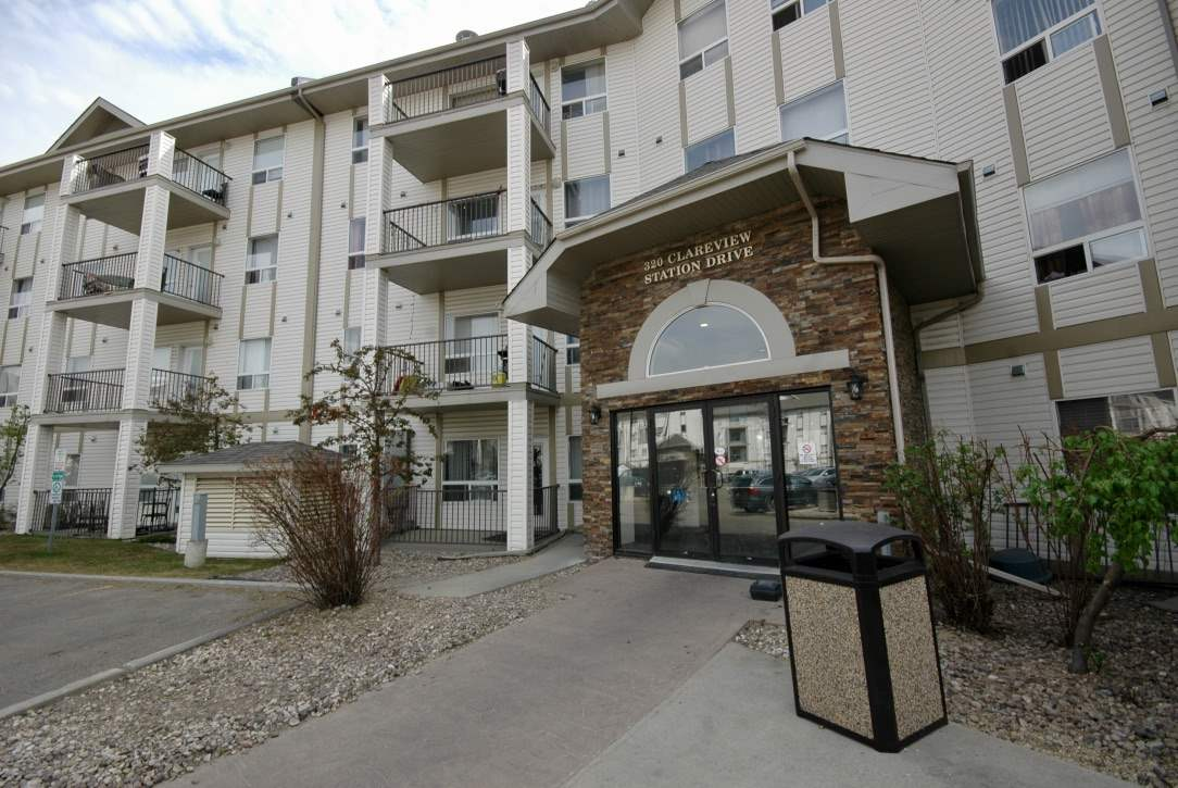 2416 320 CLAREVIEW STATION Drive, 2 bed, 2 bath, at $179,900