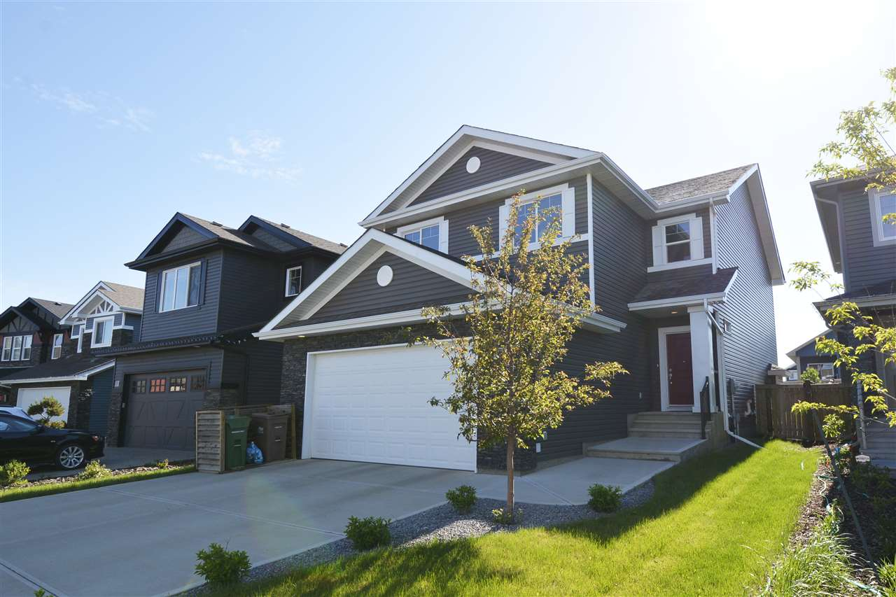 9 ETOILE Crescent N, 4 bed, 2.1 bath, at $619,900