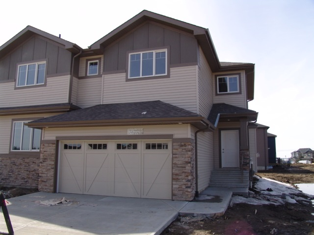 Property, 3 bed, 2.1 bath, at $395,000