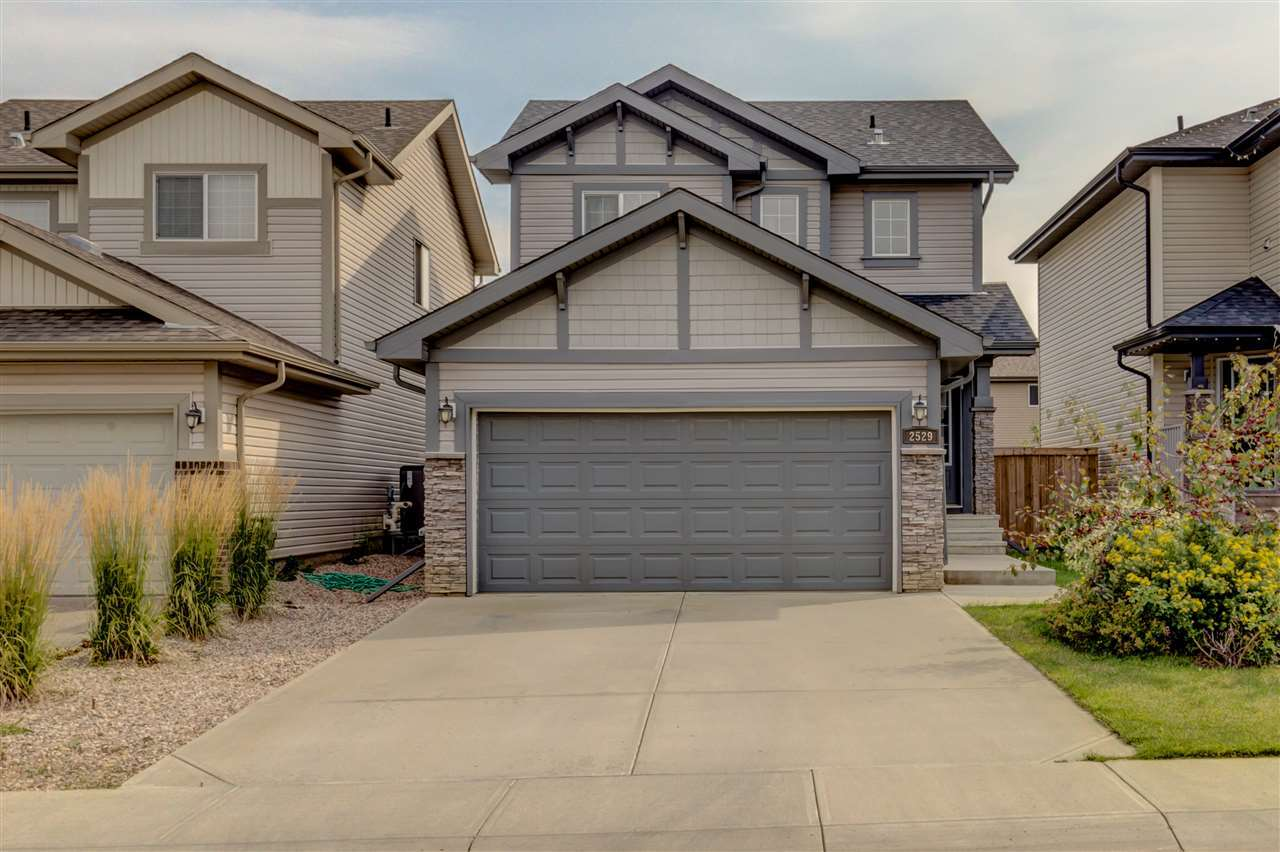 2529 Cole Crescent SW, 3 bed, 2.1 bath, at $400,000
