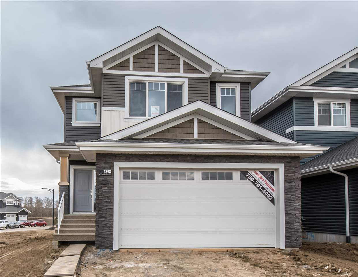 3898 Robins Crescent, 3 bed, 2.1 bath, at $489,900