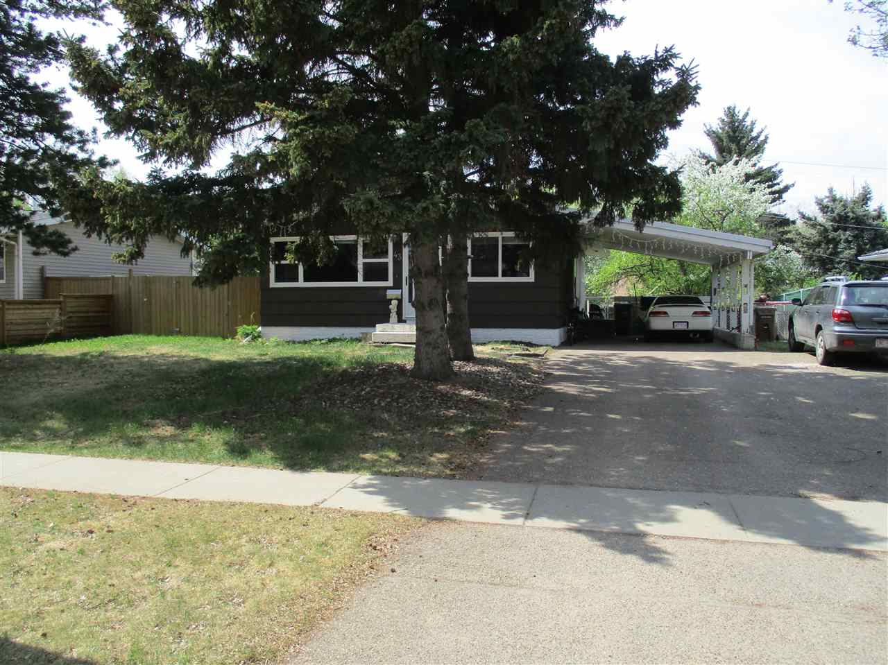 43 Greenview Crescent NW, 4 bed, 2 bath, at $330,000