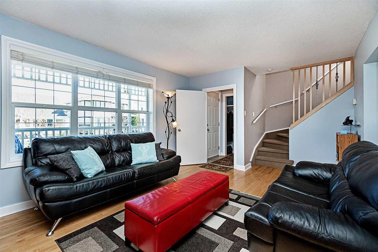 9919 144 Avenue, 3 bed, 2 bath, at $344,900