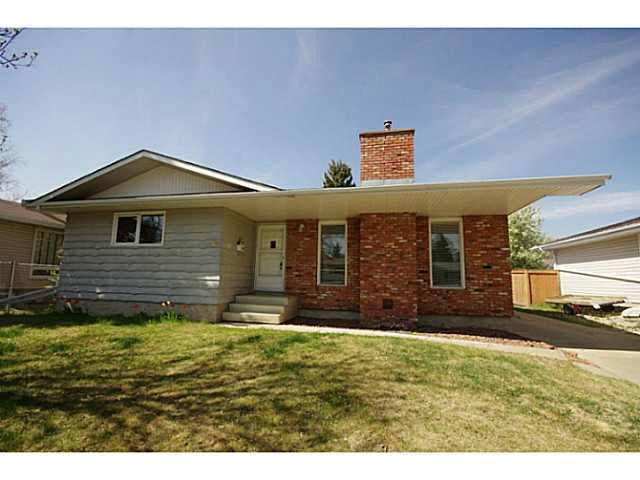 47 LINWOOD Crescent, 3 bed, 2.1 bath, at $359,000