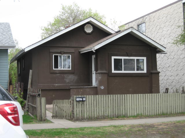 11823 95 Street, 2 bed, 1 bath, at $219,900