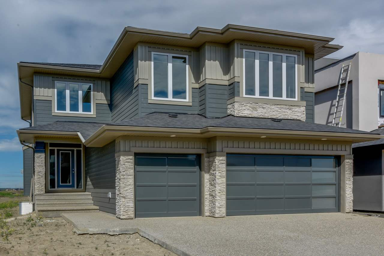 2252 Kelly Crescent SW, 3 bed, 2.1 bath, at $774,900