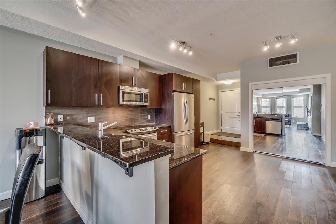 111 10811 72 Avenue, 3 bed, 2 bath, at $325,000