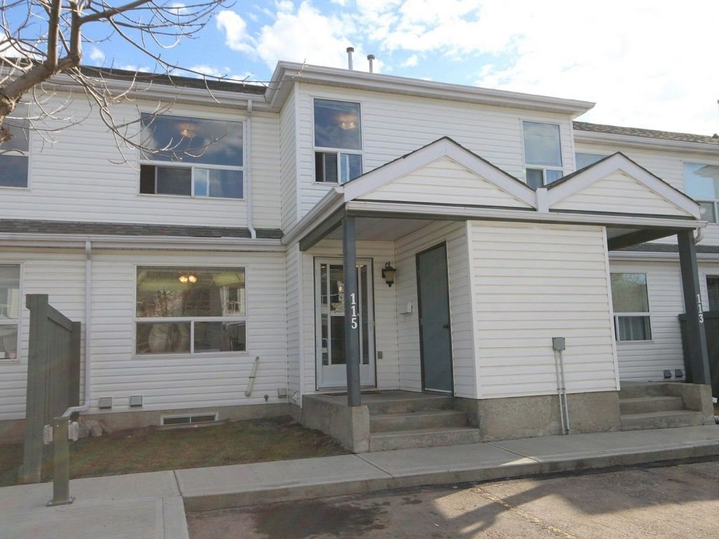 115 603 Youville Drive E, 3 bed, 1.1 bath, at $229,700