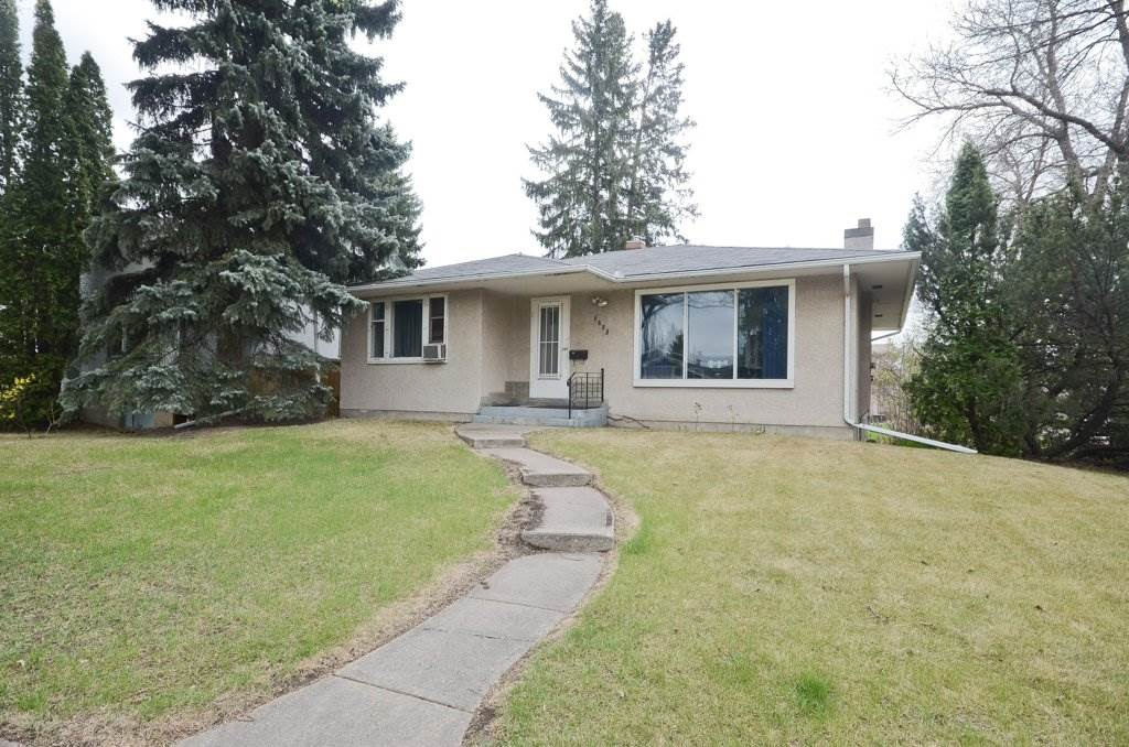 6825 111 Avenue, 3 bed, 1.1 bath, at $449,800