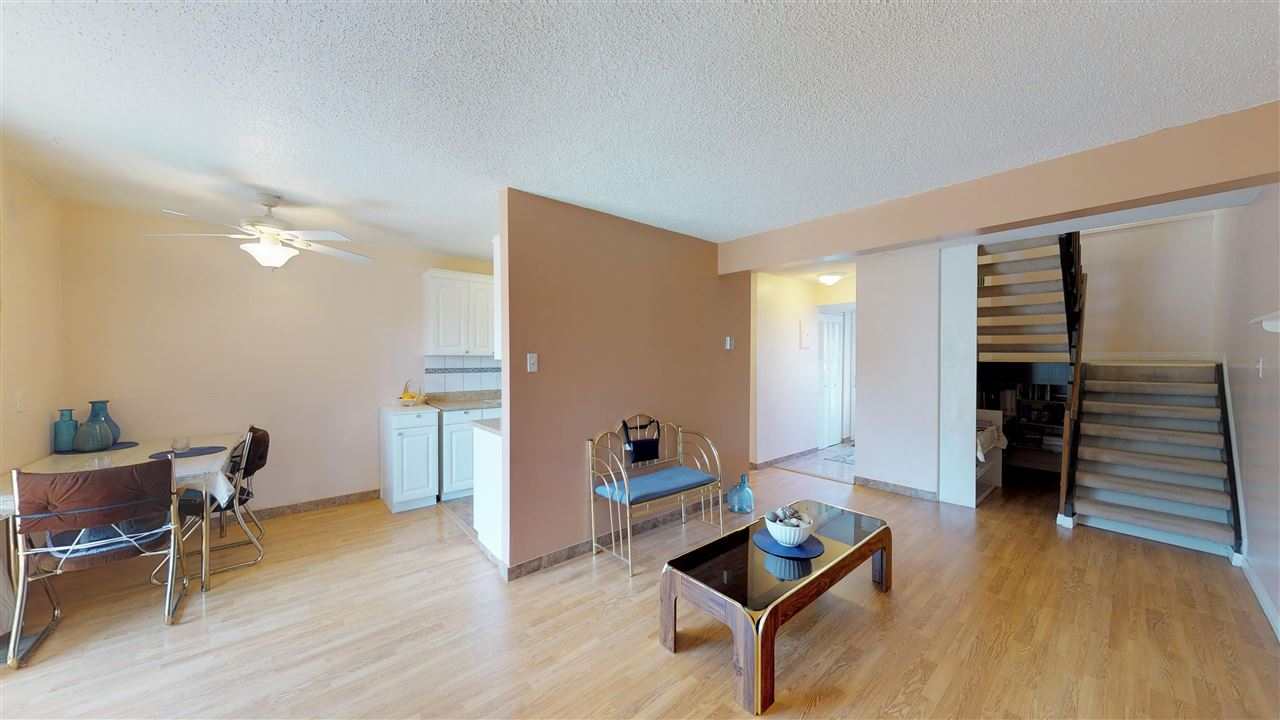 8A MEADOWLARK Village NW, 2 bed, 1.1 bath, at $179,900