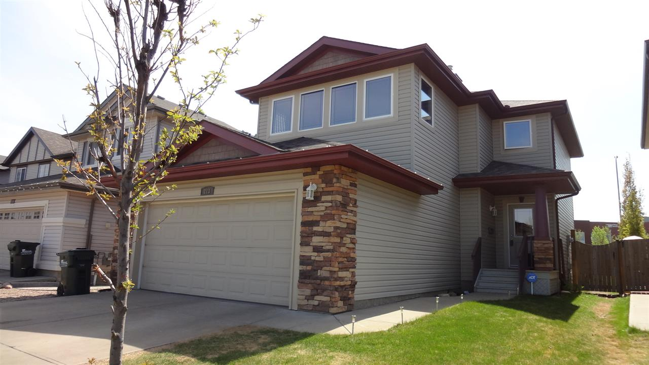 313 Cowan Crescent, 3 bed, 2.1 bath, at $450,000
