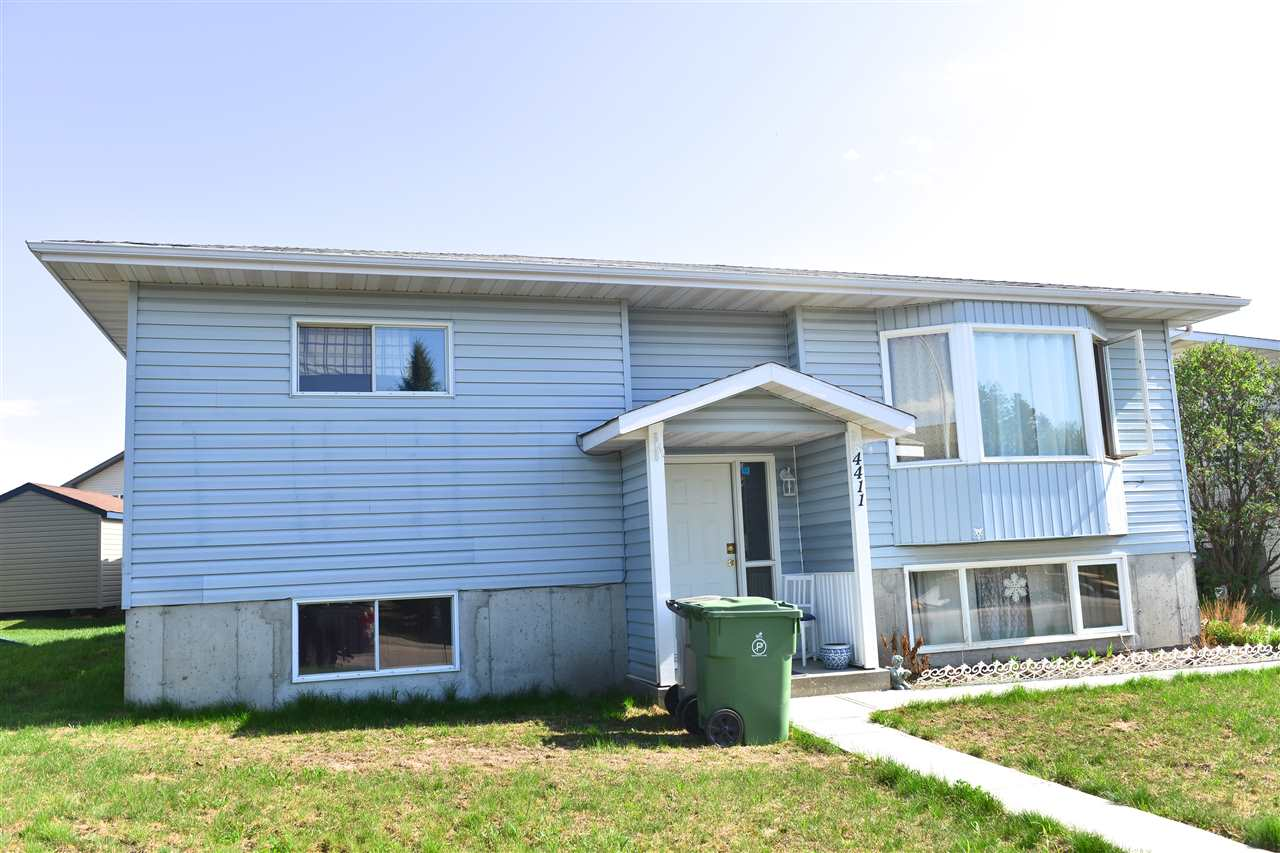 4411 48 Ave, 4 bed, 3 bath, at $309,900