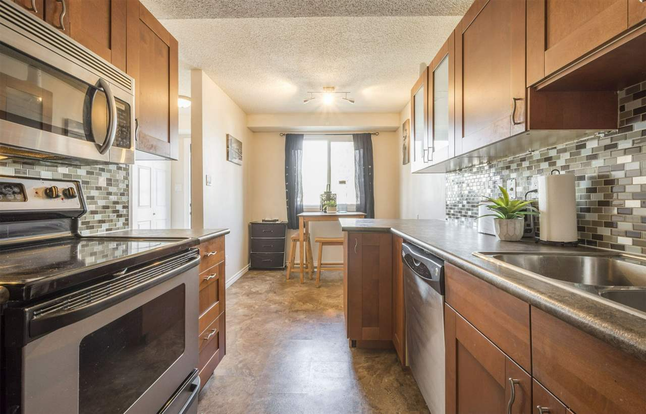 2D Clareview Village, 3 bed, 1.1 bath, at $169,900