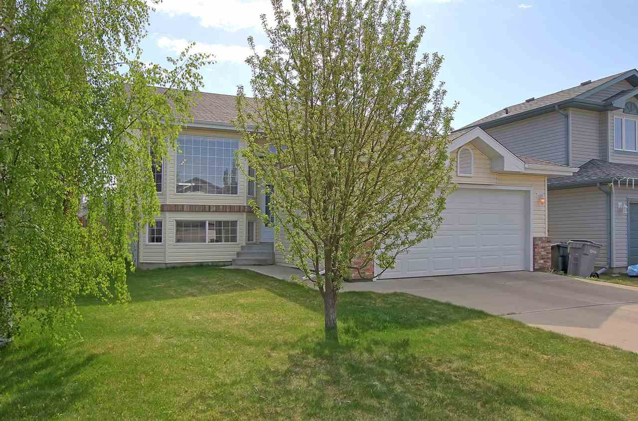 85 Blackmoor Fairway Close, 3 bed, 2 bath, at $354,900