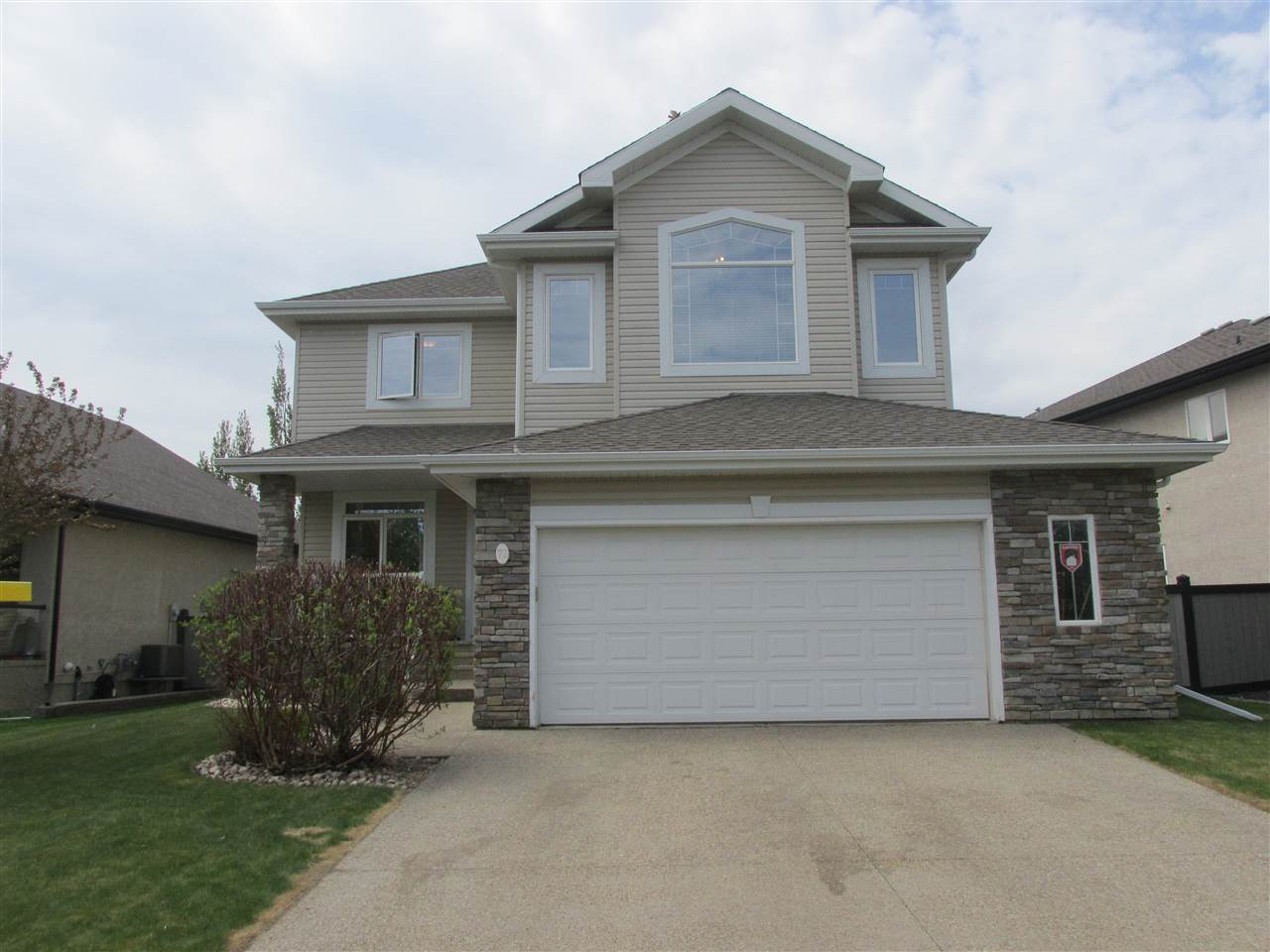 72 otter Crescent, 4 bed, 3.1 bath, at $599,800