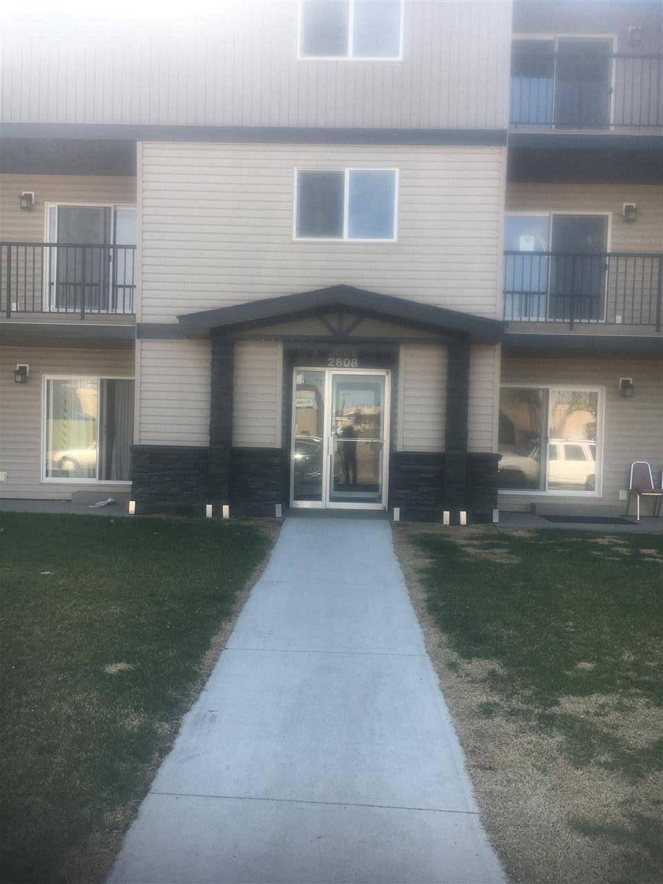 6A 2808 116 Street, 2 bed, 1 bath, at $124,900