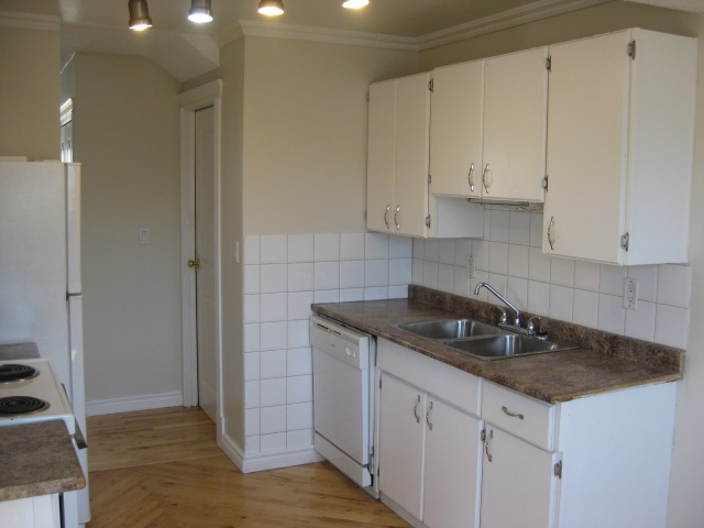 14713 25 Street, 3 bed, 1.1 bath, at $174,900