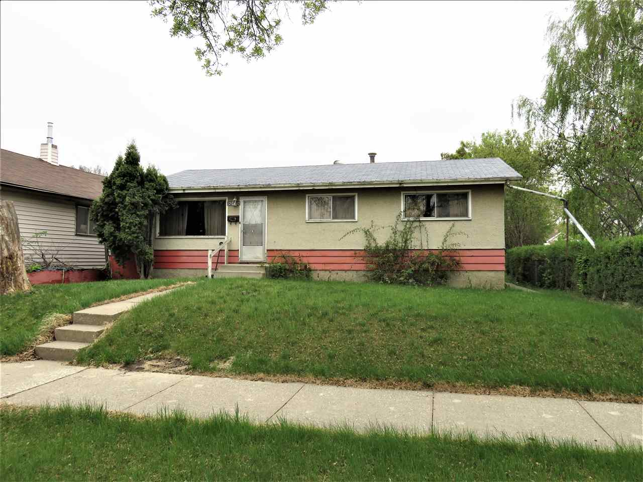 12010 39 Street, 4 bed, 1 bath, at $199,000