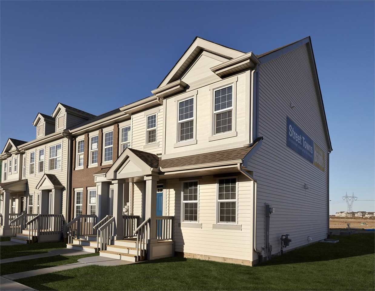 4323 PROWSE Link, 3 bed, 2.1 bath, at $305,999