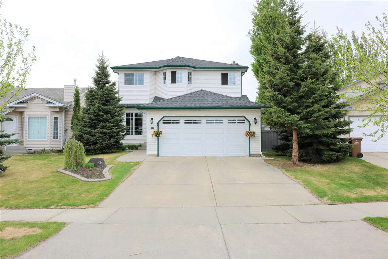 38 OAKVIEW Crescent, 4 bed, 3.1 bath, at $470,000