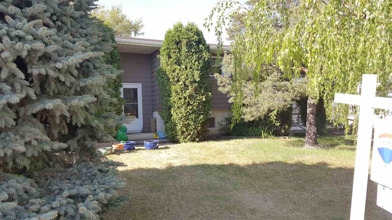 12420 159 Avenue NW, 3 bed, 2 bath, at $374,900