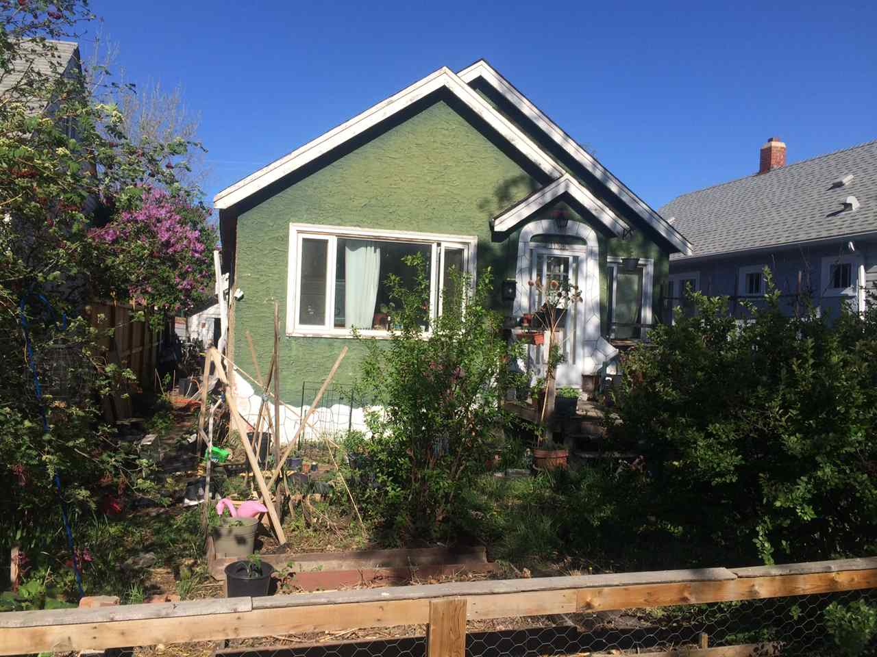 11306 92 Street, 2 bed, 1 bath, at $165,000
