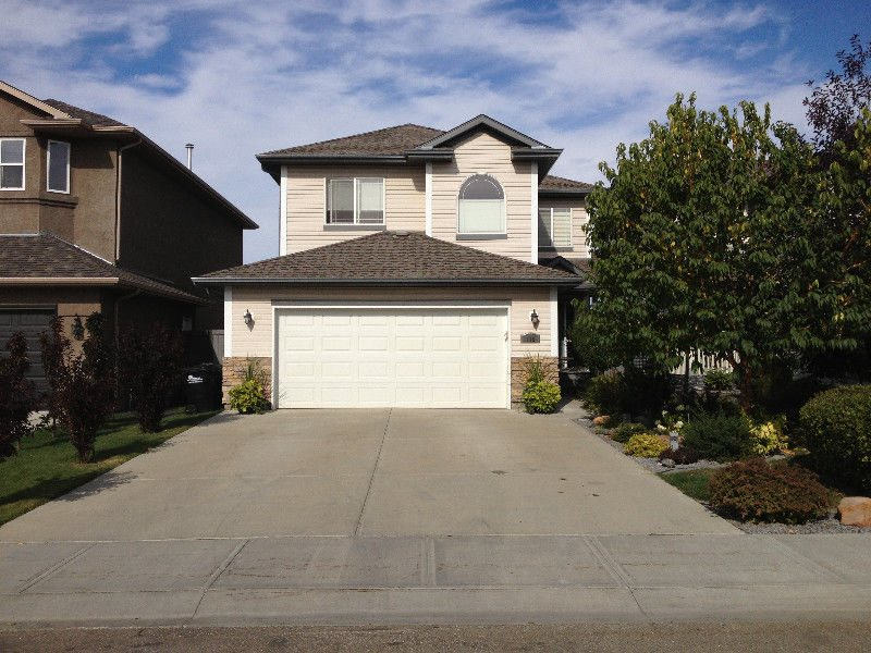 116 Foxtail Point(e), 3 bed, 2.1 bath, at $539,000