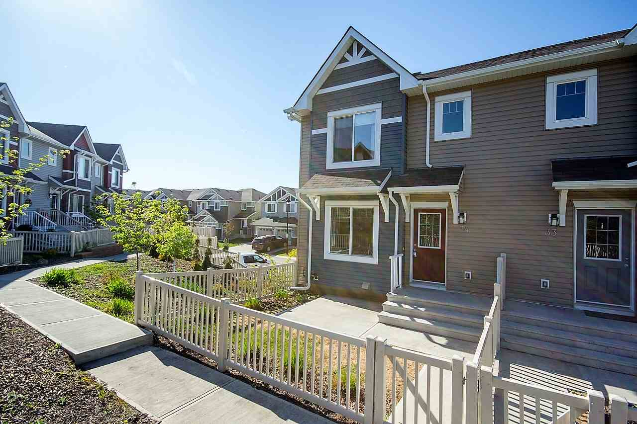 34 5317 3 Avenue, 3 bed, 2.1 bath, at $295,000