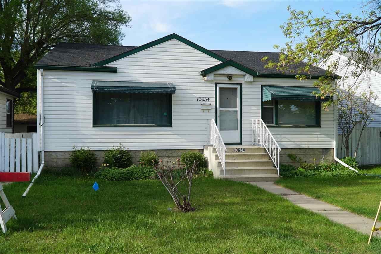 10654 61 Avenue, 1 bed, 1 bath, at $329,900
