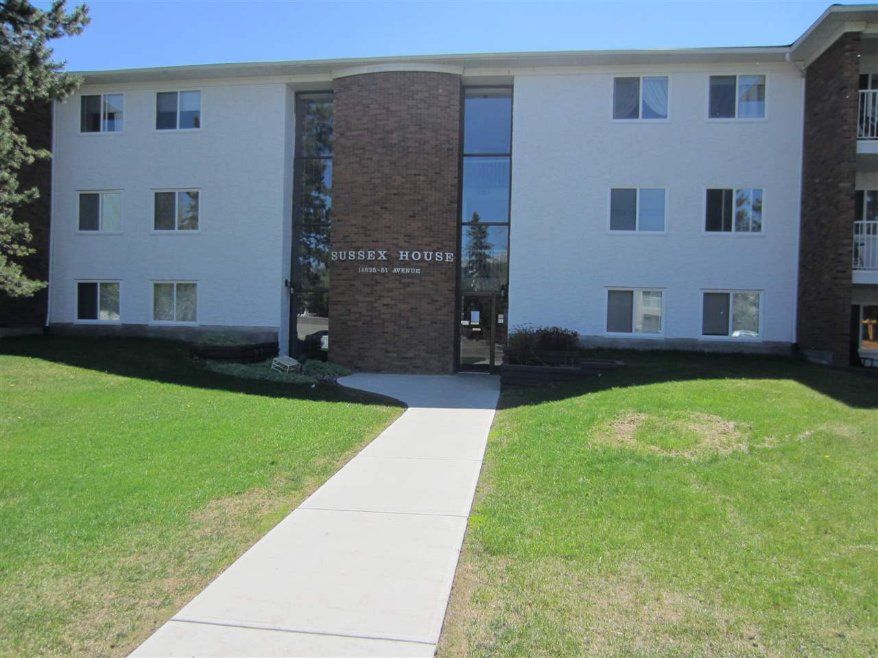 102 14825 51 Avenue NW, 2 bed, 1.1 bath, at $133,888