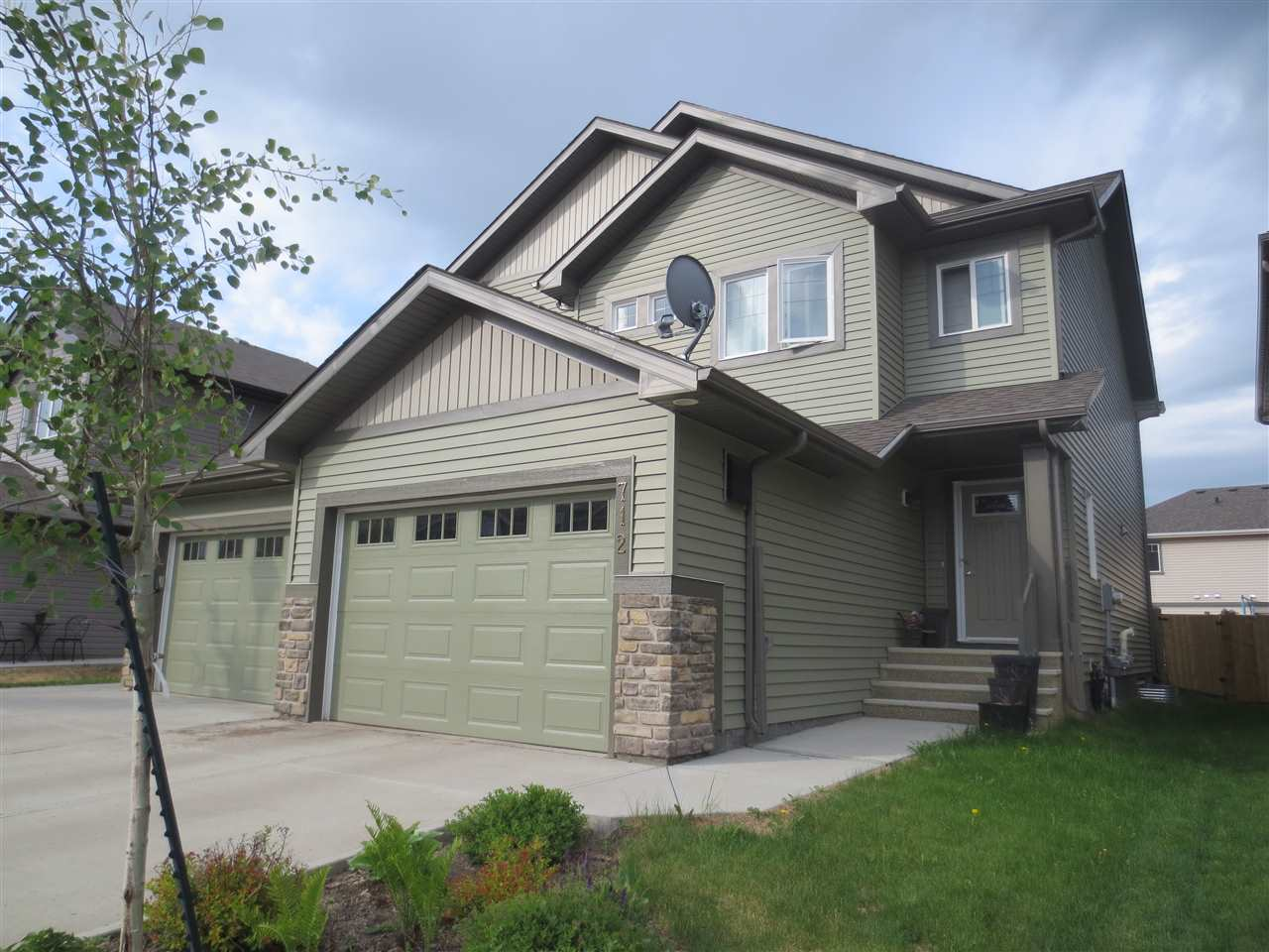 712 177 Street SW, 3 bed, 2.2 bath, at $364,800