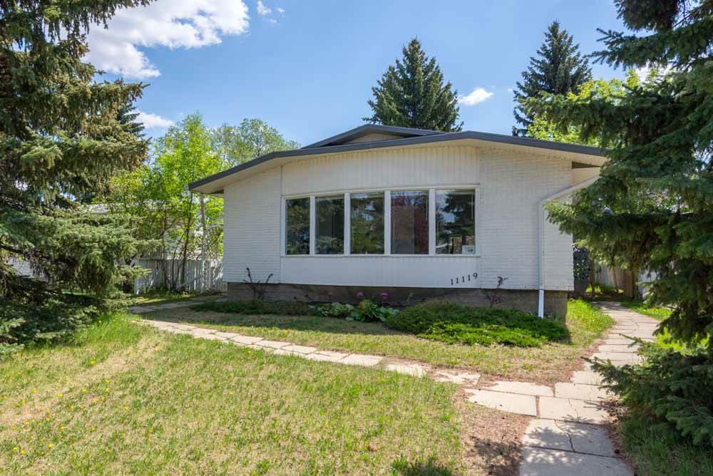 11119 46 Avenue, 6 bed, 3 bath, at $419,000