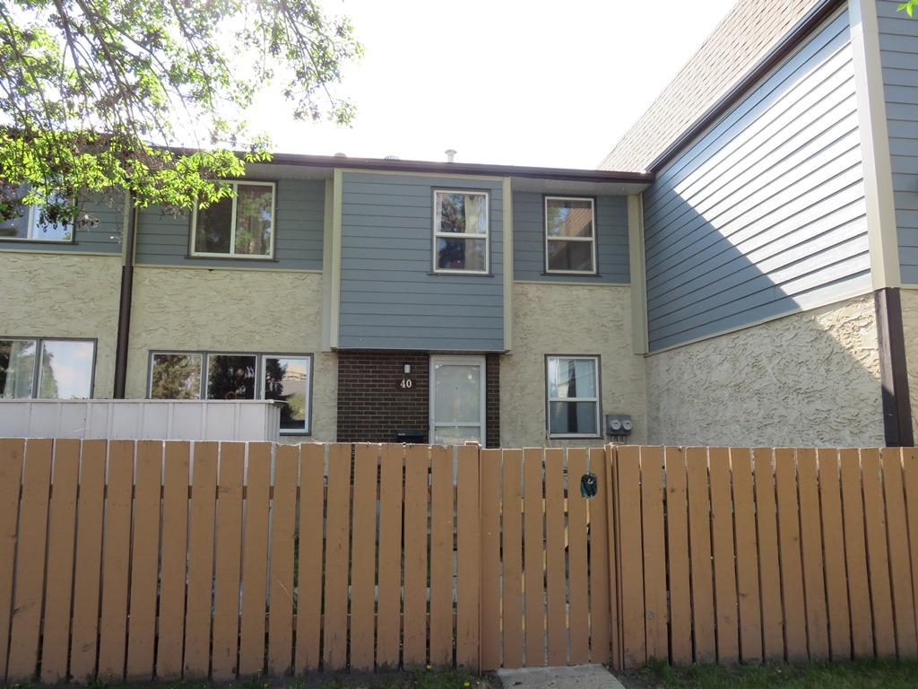 40 Willowdale Place NW, 3 bed, 1.1 bath, at $184,900