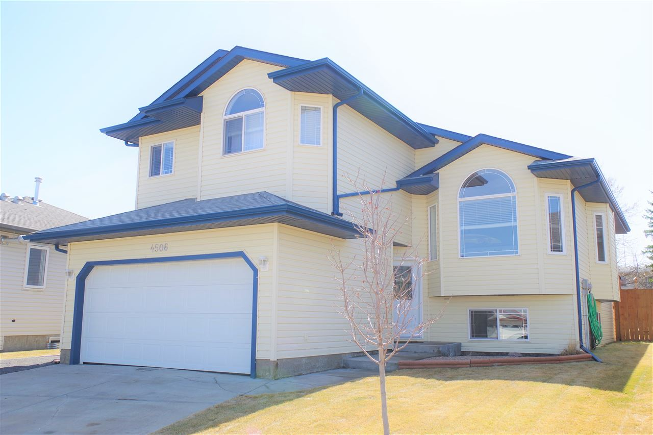 4506 57A Avenue, 3 bed, 2 bath, at $299,900